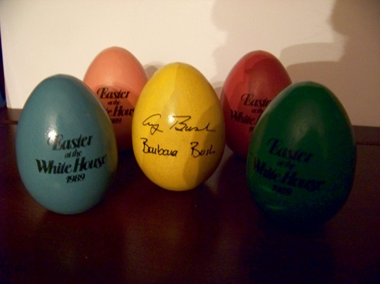 1989 Easter at the White House Set of 5 Wooden Eggs
